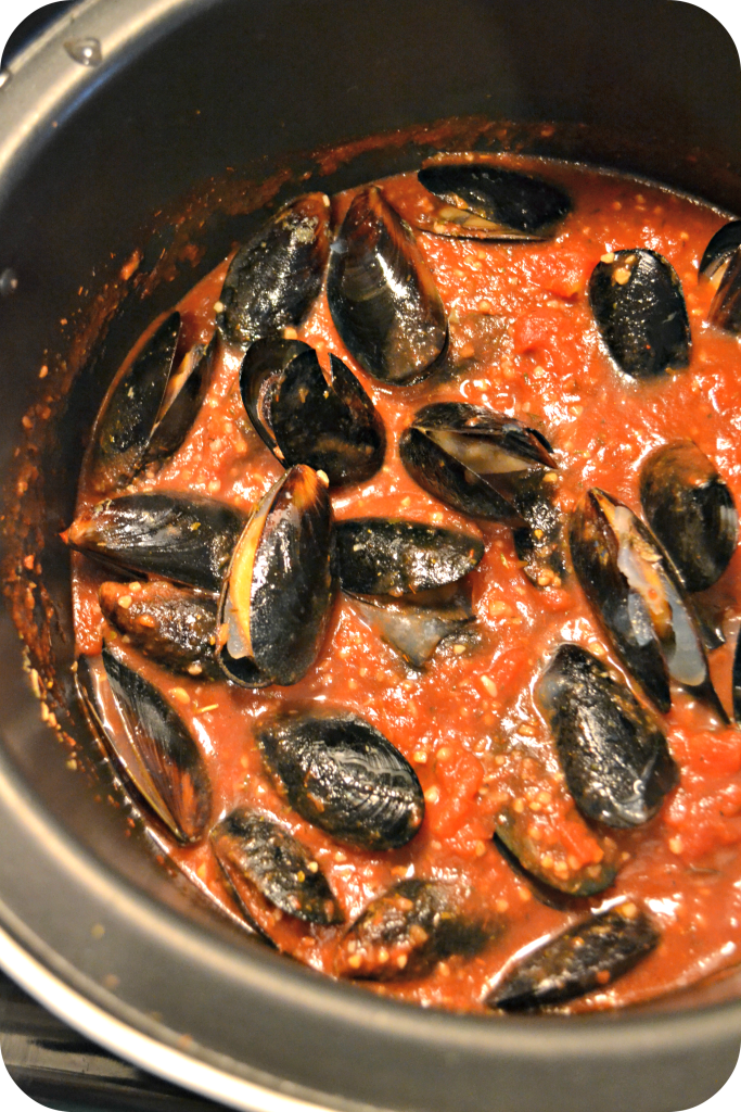 Low Sodium Marinara Sauce with Mussels and Pasta