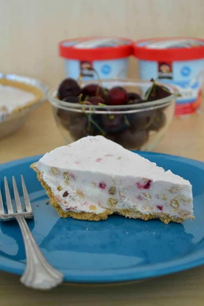 frozen yogurt pie made with oatmeal